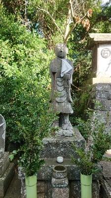 皇産霊神社の像