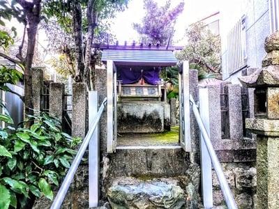 新宮坂神社の本殿