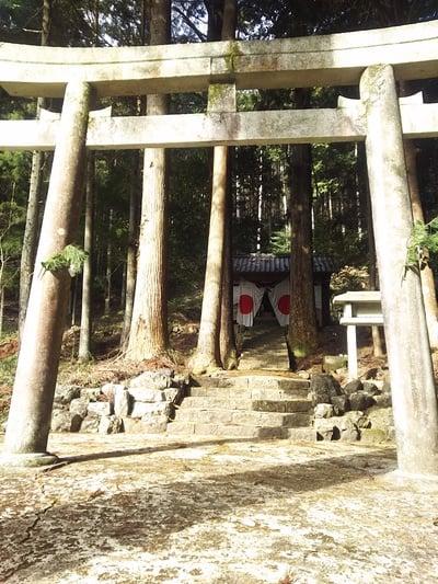 岐阜県寺尾神社の鳥居