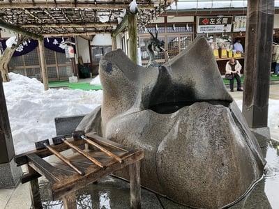 西根神社(福島県飯坂温泉駅) - 手水舎の写真