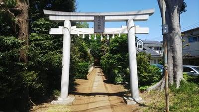 東京都氷川神社の鳥居