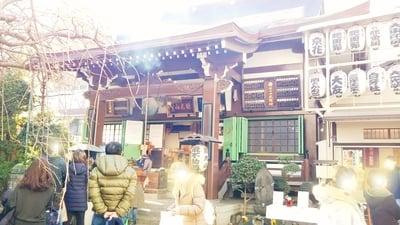 東京都正宝院(飛不動尊)の本殿