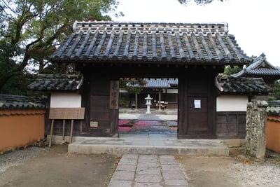 福岡県戒壇院の山門
