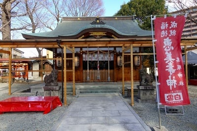 大阪府呉服神社の本殿