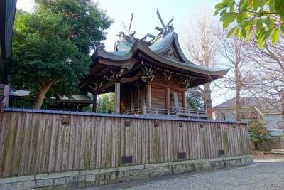 呉服神社の本殿