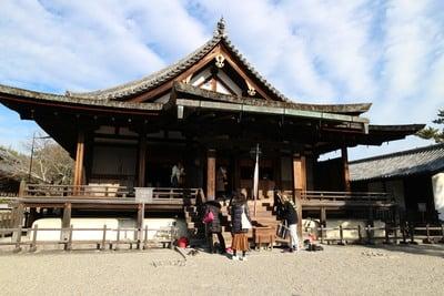 奈良県法隆寺の本殿