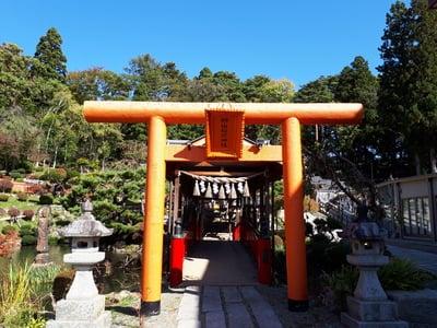 岩手県榊山稲荷神社の鳥居