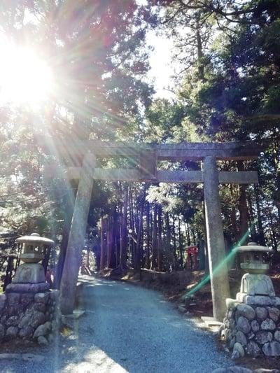 砥鹿神社(奥宮)の鳥居