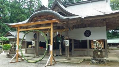伊和神社の本殿