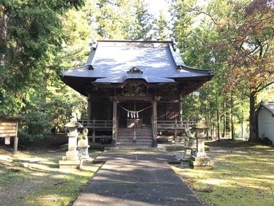 龜山神社の本殿
