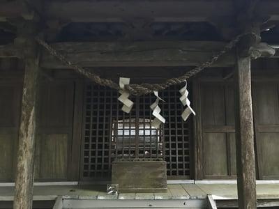 山神社の本殿