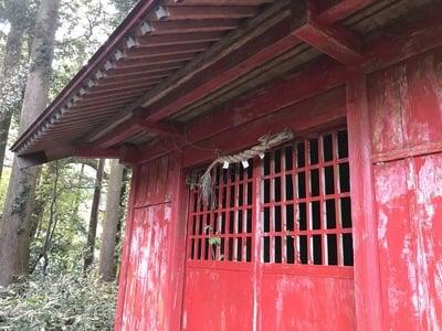 山神神社の本殿