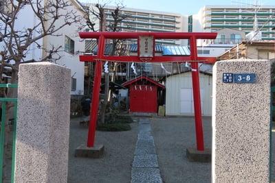 東京都下稲荷神社の鳥居