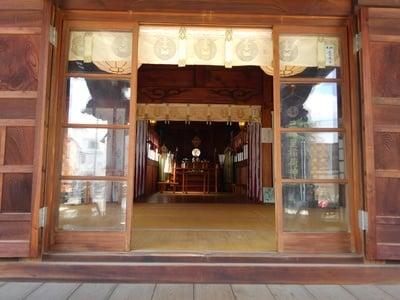 三輪里稲荷神社の本殿