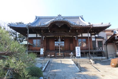 東京都多聞寺の本殿