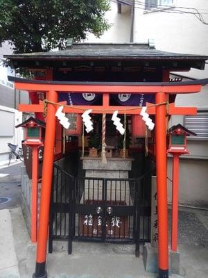 東京都睦稲荷神社の鳥居