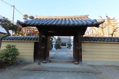 東京都蓮花寺の山門