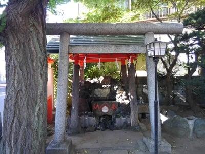 東京都於玉稲荷神社の鳥居