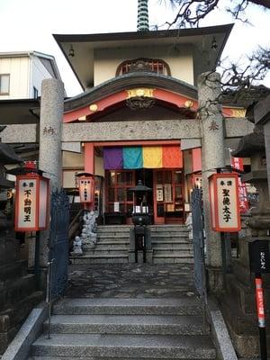 圓照寺の山門