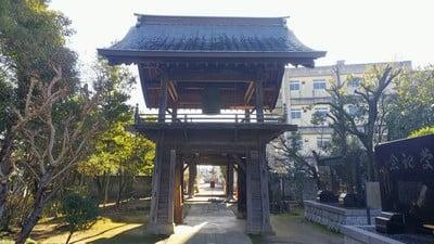 埼玉県高城寺の山門