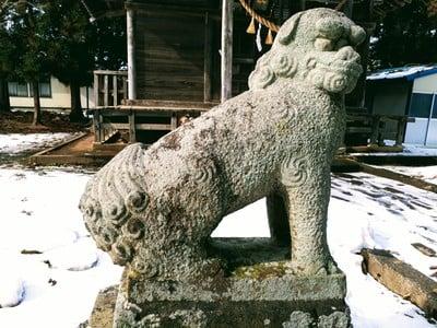 神明社の狛犬