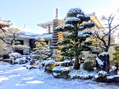 医王山 泉柳寺の庭園