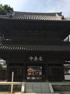 東京都泉岳寺の山門