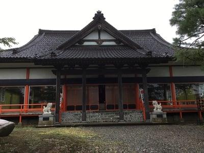 山形県三宝荒神社の本殿
