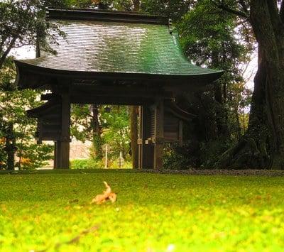 日吉神社の山門