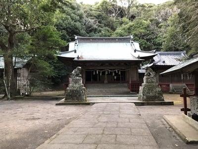 下立松原神社の本殿