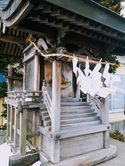 三宝荒神社の本殿