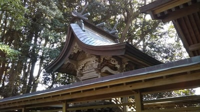 掘出神社の本殿