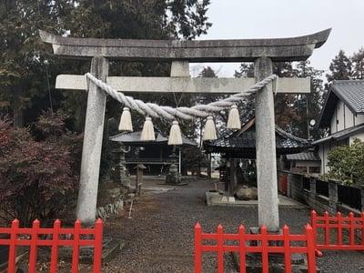 埼玉県瓺玉神社の鳥居