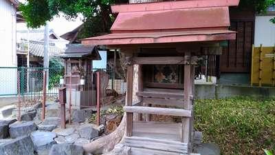 八坂瓊神社(王塚古墳跡)の末社