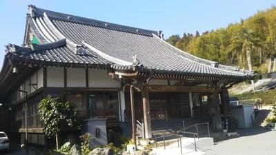 鹿児島県養信寺の本殿