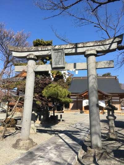 山梨県玉諸神社の鳥居