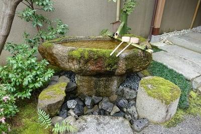 天津神社の手水