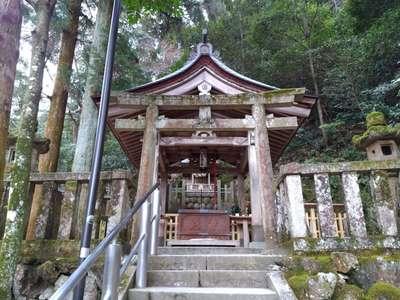 伊奈波神社の本殿