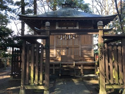 日高神社の本殿