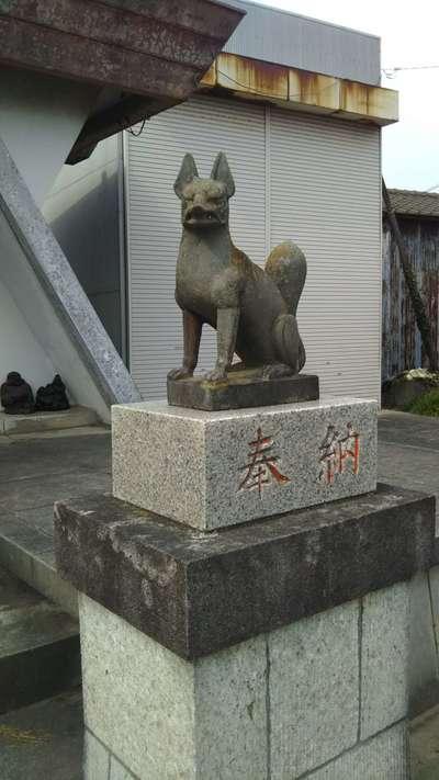勇稲荷神社の狛犬