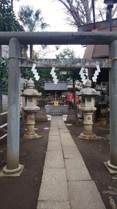 東京都高円寺氷川神社の鳥居