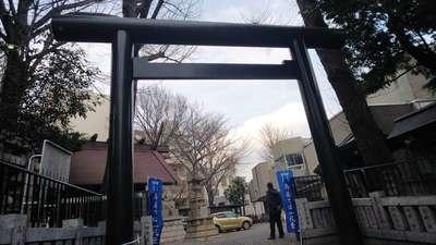 高円寺氷川神社の鳥居