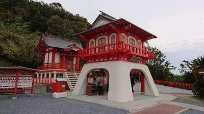 鹿児島県竜宮神社の山門