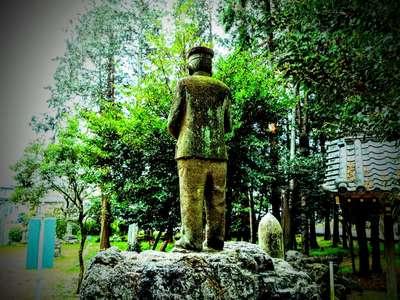 神明神社の像
