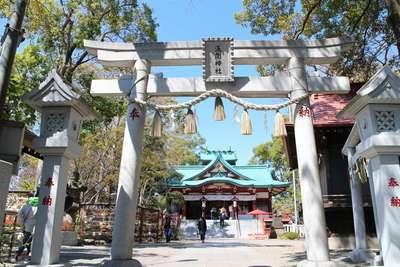 東京都多摩川浅間神社の鳥居