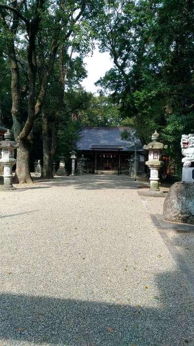 鵜川原神社の本殿