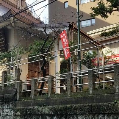 妻恋神社の本殿