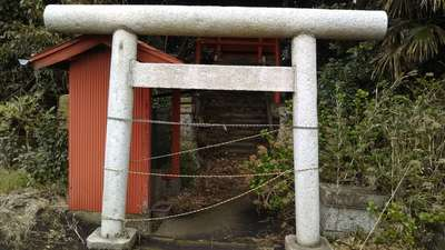 赤坂稲荷神社の鳥居