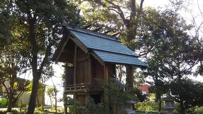 稲荷神社の本殿