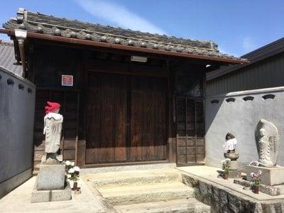 愛知県瑞雲山 照栄寺の山門